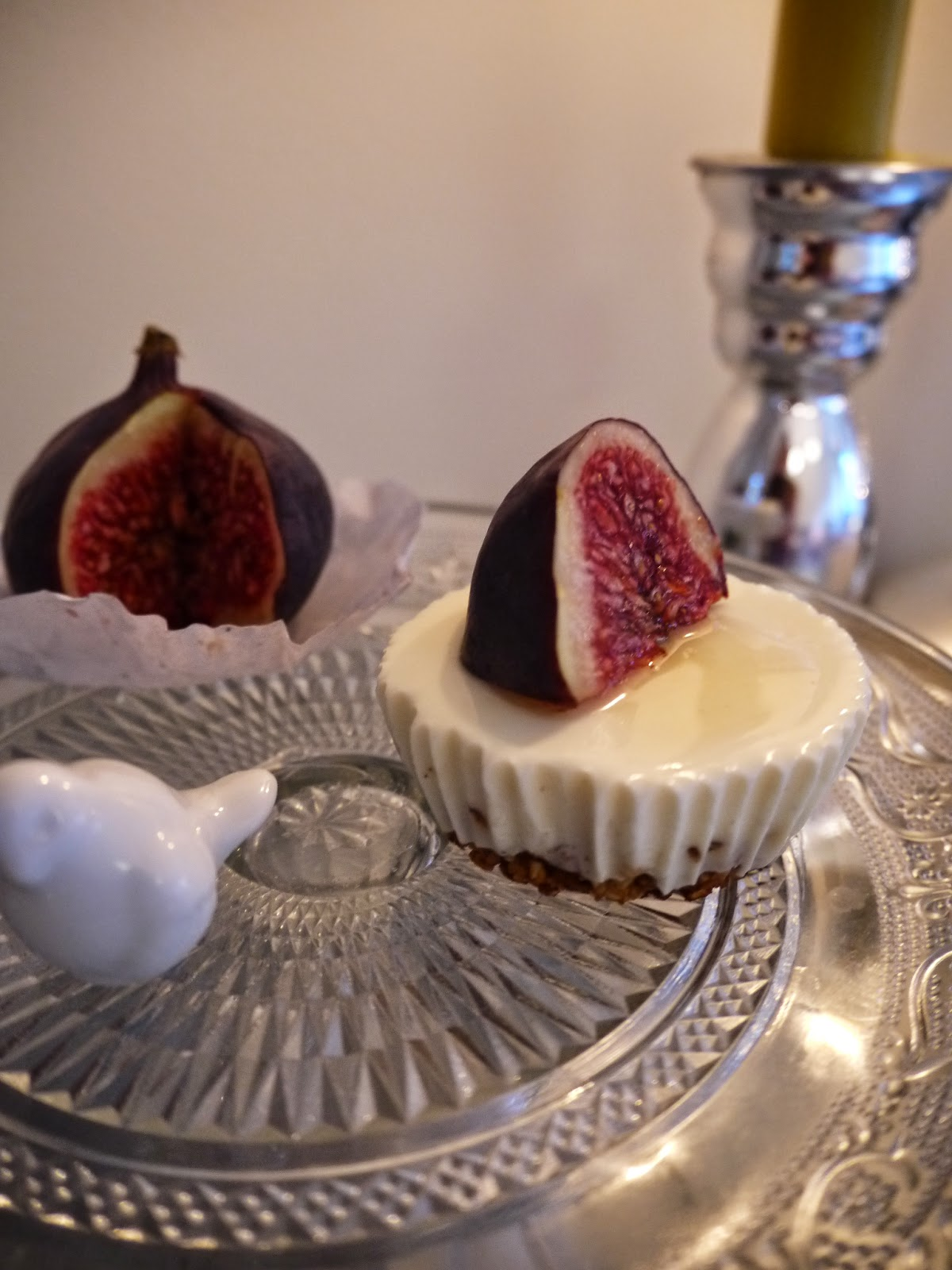 Mini gluten free cheese cake with fresh fig by Appetit Voyage