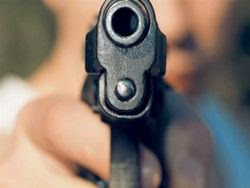 Βγήκαν πιστόλια σε καβγά στην Καστοριά!