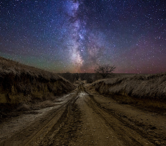 Crossroad to Milky Way