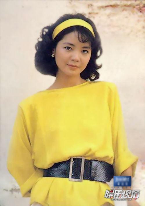 外语歌曲。 Teresa also has Japanese and English Album.