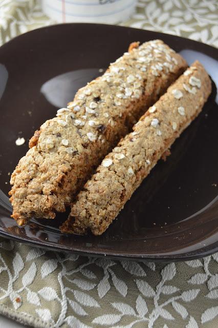 Oatmeal Date Biscotti