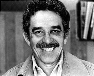 Foto de Gabriel García Márquez tras el puñetazo de Mario Vargas Llosa