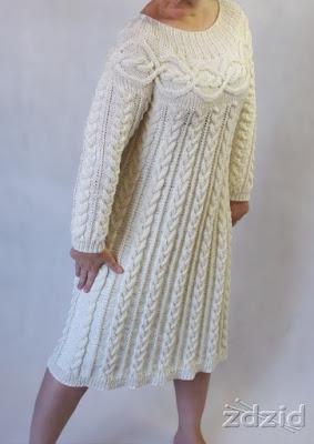 Warkoczowa suknia.