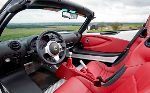 Sport Cars on Auto Cars  Lotus Elise Interior Is A Classic Fast Sports Car