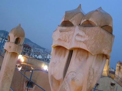 Chimneys-shaped warriors of Casa Milà