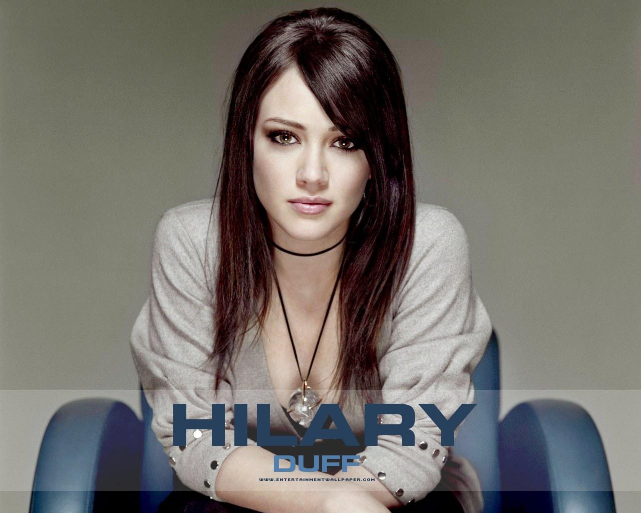 http://3.bp.blogspot.com/-BUkmj2io7zc/Top6tZEiHWI/AAAAAAAARL8/fajwAEzNwx4/s1600/Hilary-Duff_00.jpg