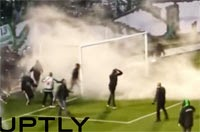 Derby of the Eternal Enemies: Wild soccer fans throw fireworks, storm field before match in Athen