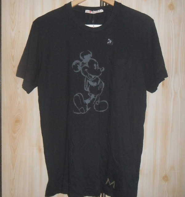 MICKEY MOUSE pocket X Uniqlo t shirt