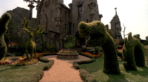 Gothic Mansion Edward Scissor Hands
