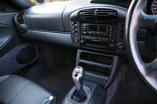Porsche CR22 No FM Option on Radio - Display Shows AM Only?