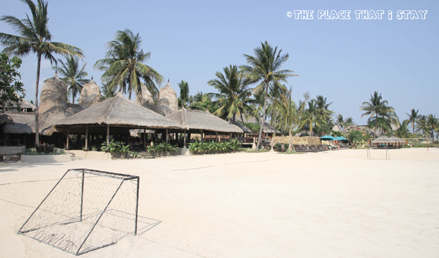 Novotel Lombok - Soccer on the beach