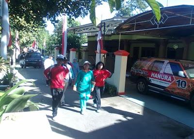 Di Depan Rumah Ibu Kepala Desa/Bp.Putut Hartanto Jloko Wetan