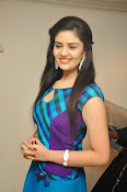 Sri Mukhi latest Photos at Muse Arts Gallery-thumbnail-12