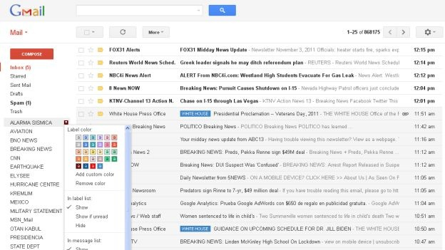 (CNNMéxico) — Google lanzó una nueva imagen de su servicio de correo electrónico, Gmail, que se adapta al tamaño de la pantalla y que ofrece tres diferentes tipos de densidad. La nueva vista incluye una simplificación de las conversaciones que despliegan la imagen de perfil de los contactos, lo que permitirá identificar de manera más sencilla quien envía los mensajes, anunció Google en un video. Los nuevos correos ahora están organizados con tres formas distintas de densidad: cómodo, agradable y compacto, de forma que el usuario puede elegir una presentación más relajada o más compacta de la lista de e-mails.