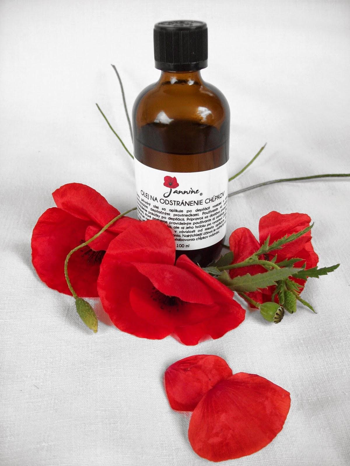 Typická lekárenská fľaštička s bezpečnostným uzáverom, vkusnou etiketou s návodom na použitie a pekným logom značky Jannine uchováva prírodný olej dobre chránený pred vzduchom i svetlom.