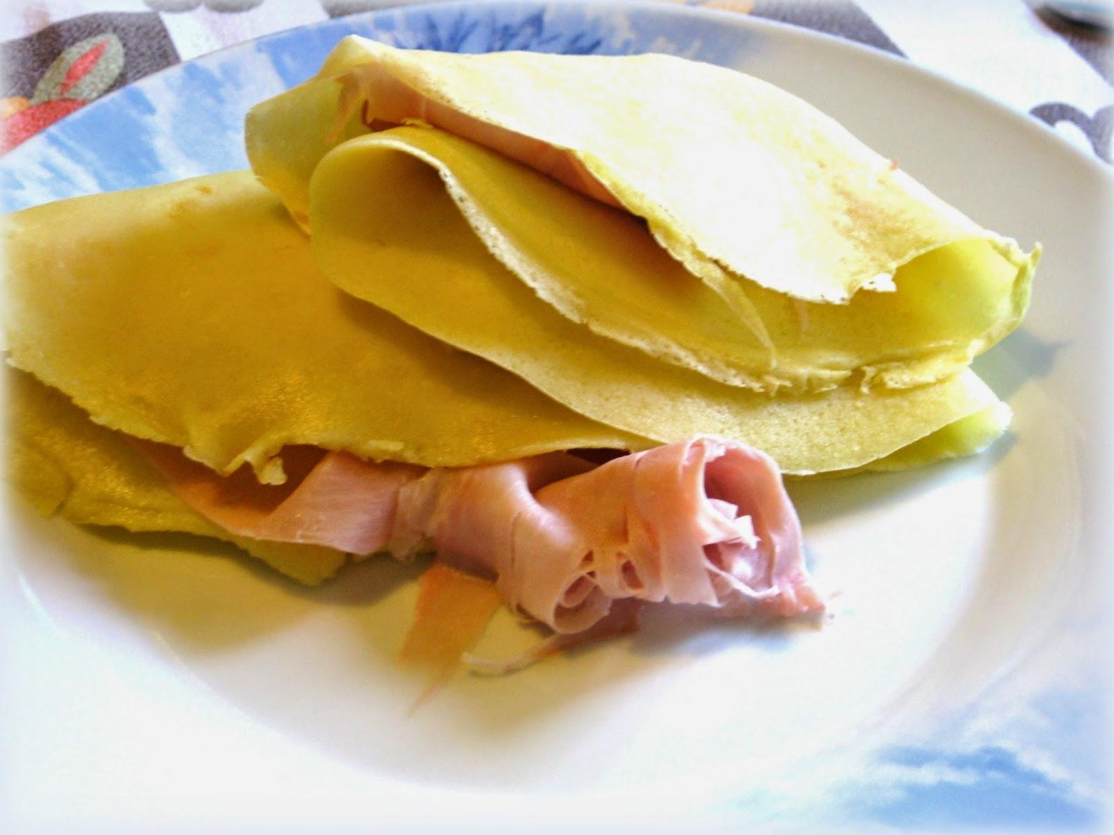 La ricetta delle Crepes con Prosciutto e Stracchino è perfetta per un pranzo veloce ma pieno di energia.