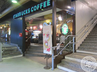 Image of Starbuck coffee in Paris, France