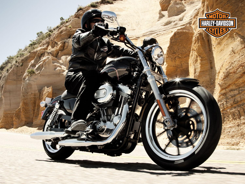 Harley Davidson Indian: ATTENTI AL LUPO: NODERN KEY OF LITTLE RED RIDING HOOD
