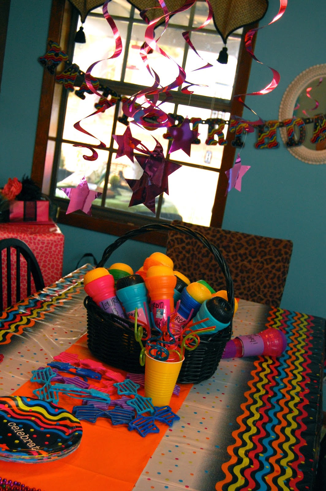 80 Ideas For Contemporary Living Room Designs: The Honey Pot: A Totally 80's Birthday