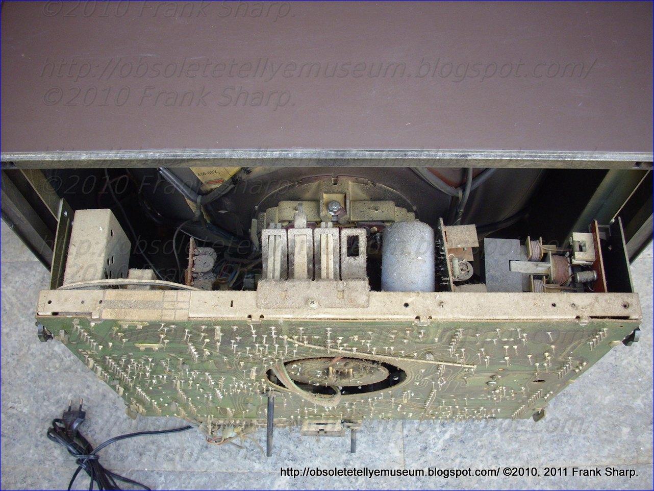 Obsolete Technology Tellye !: DUMONT (EMERSON) 22 TULSA 16 SE ...