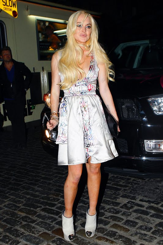 Lindsay Lohan – Cleavage Candids in New York