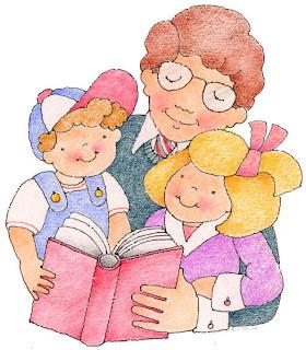 mamá con dos niños leyendo libro