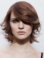 peinado moderno pelo medio