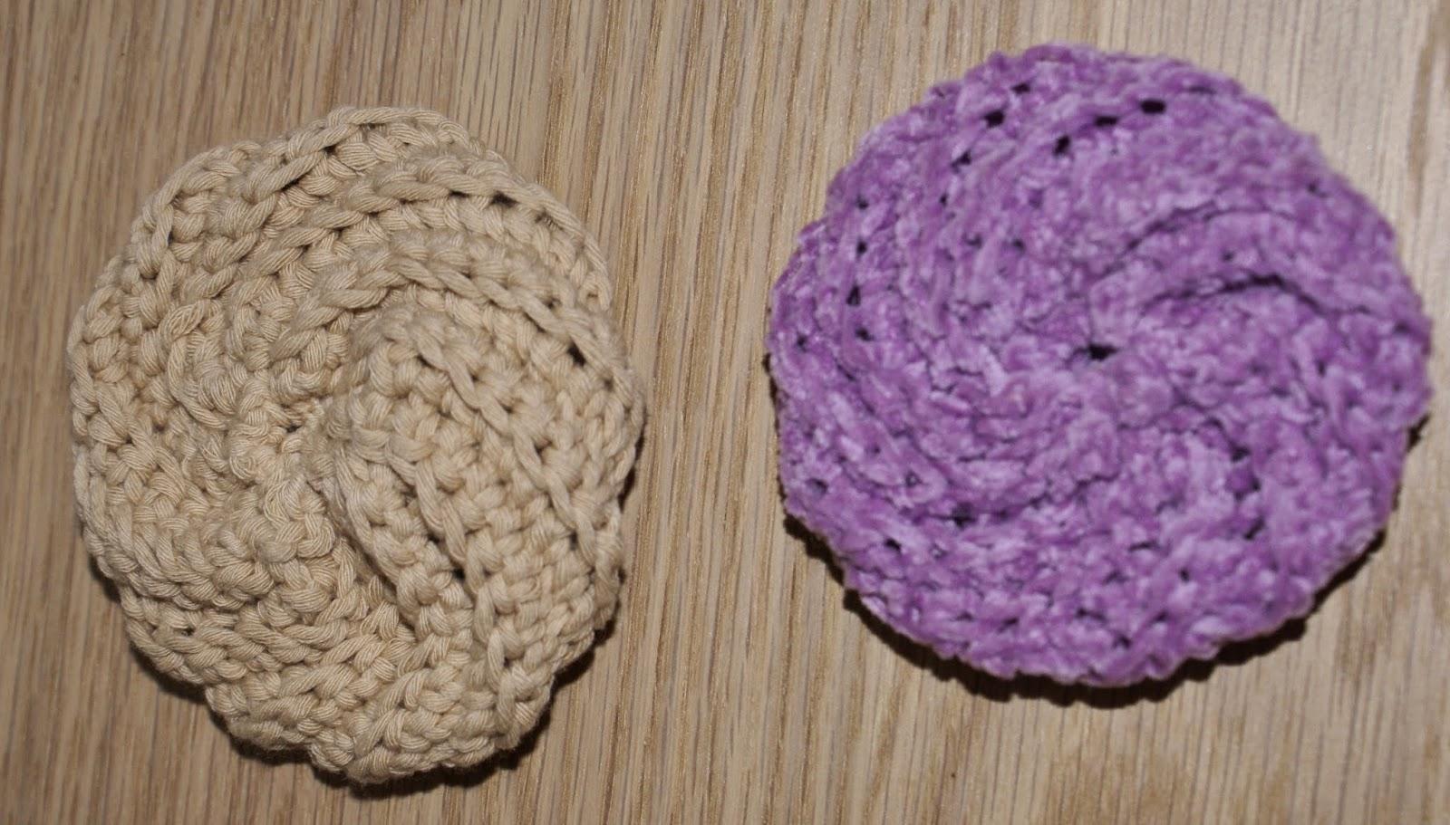 cetty crochet r alis s pour la salle de bain toilettes. Black Bedroom Furniture Sets. Home Design Ideas