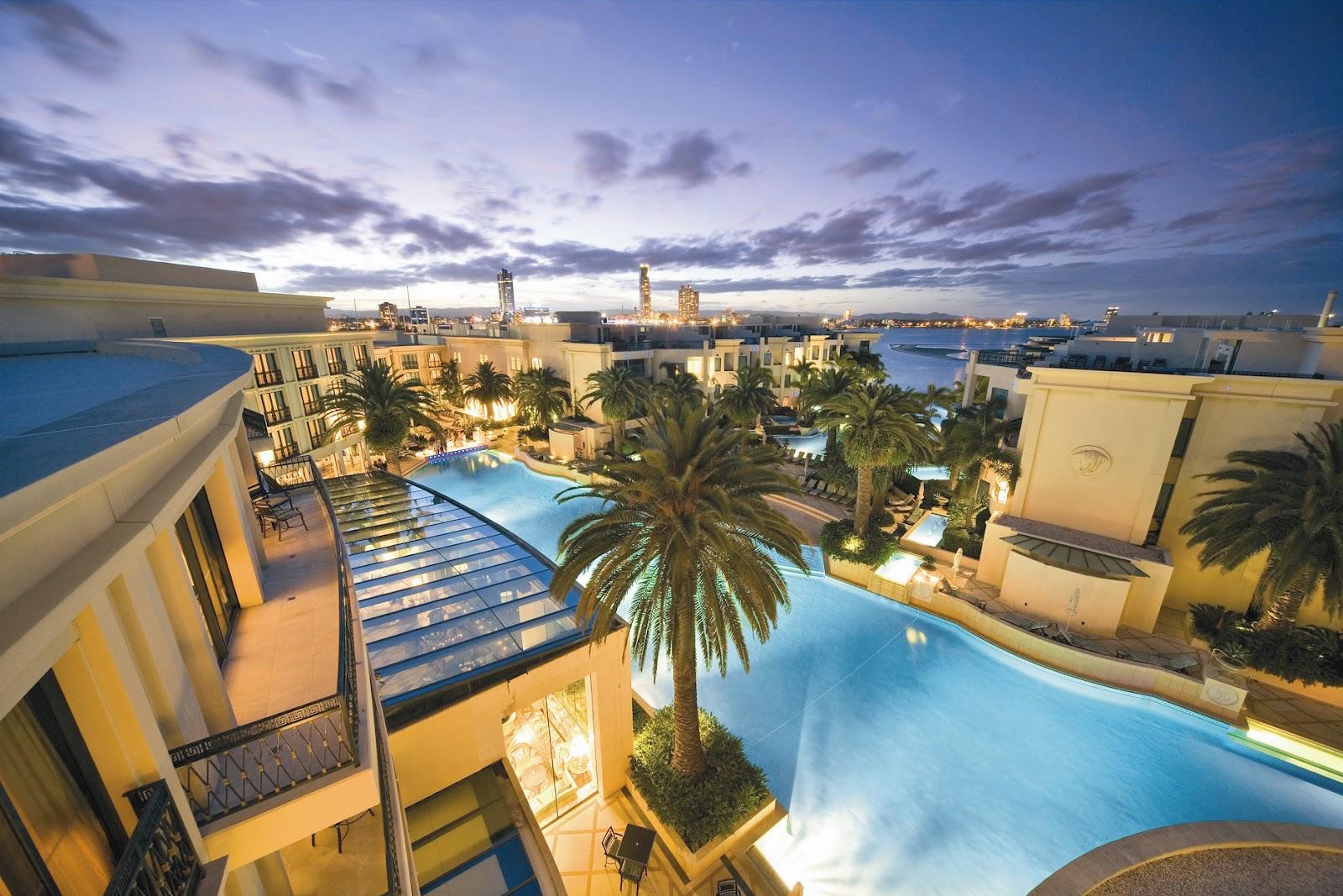 sunlover holidays top 10 gold coast hotels for swimming. Black Bedroom Furniture Sets. Home Design Ideas