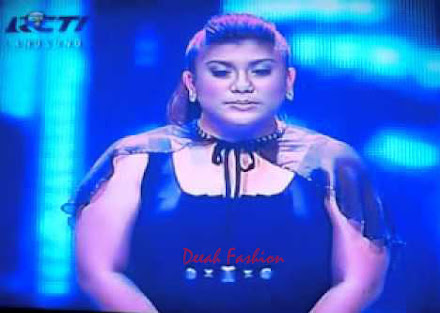 Busana Regina Grand Finalis Indonesian Idol 2012