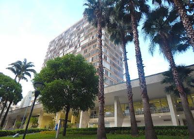 O projeto do Palácio dos Jequitibás, onde funciona a Prefeitura Municipal de Campinas, foi escolhido num concurso promovido pelo IAB há quase 60 anos, dando origem ao núcleo regional da entidade.