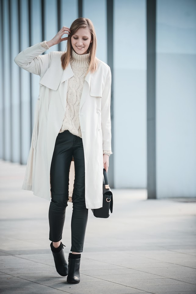 hm H&M beige trench, spring 2014 hm trench coat, leather pants outfit, cozy oversized sweater, style blogger, fashion blogger, spring outfit