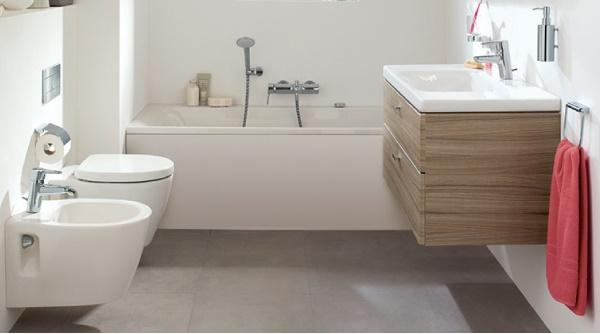 Spazi ridotti in bagno l 39 utilizzo di forme semplici e for Idee arredo bagno piccolo