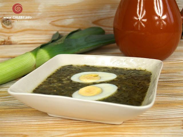 Zupa szczawiowa z kaszą jęczmienną