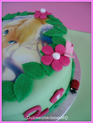 Pastel Campanilla Tarta Cumpleaños Niña Chocolate Buttercream Fresa Nena Papel Azúcar Comestible Rosa Verde Fondant Esponjoso