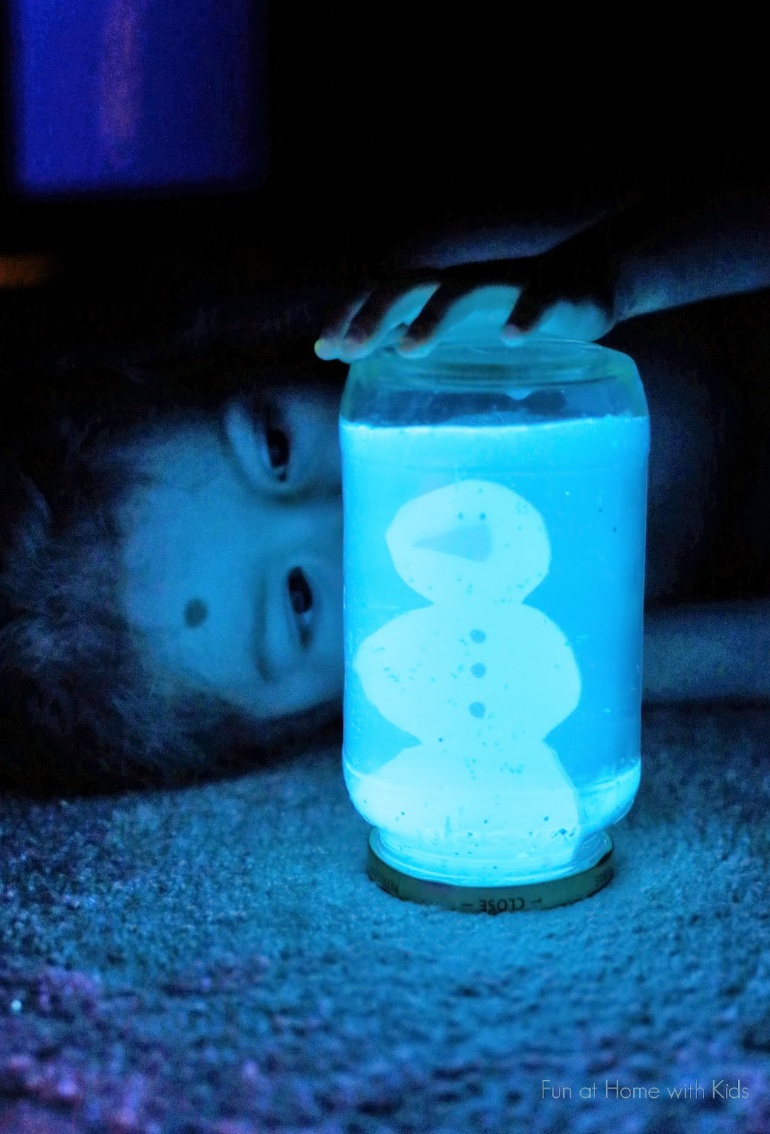 Diy glowing snow globe quick winter craft for How to make winter crafts