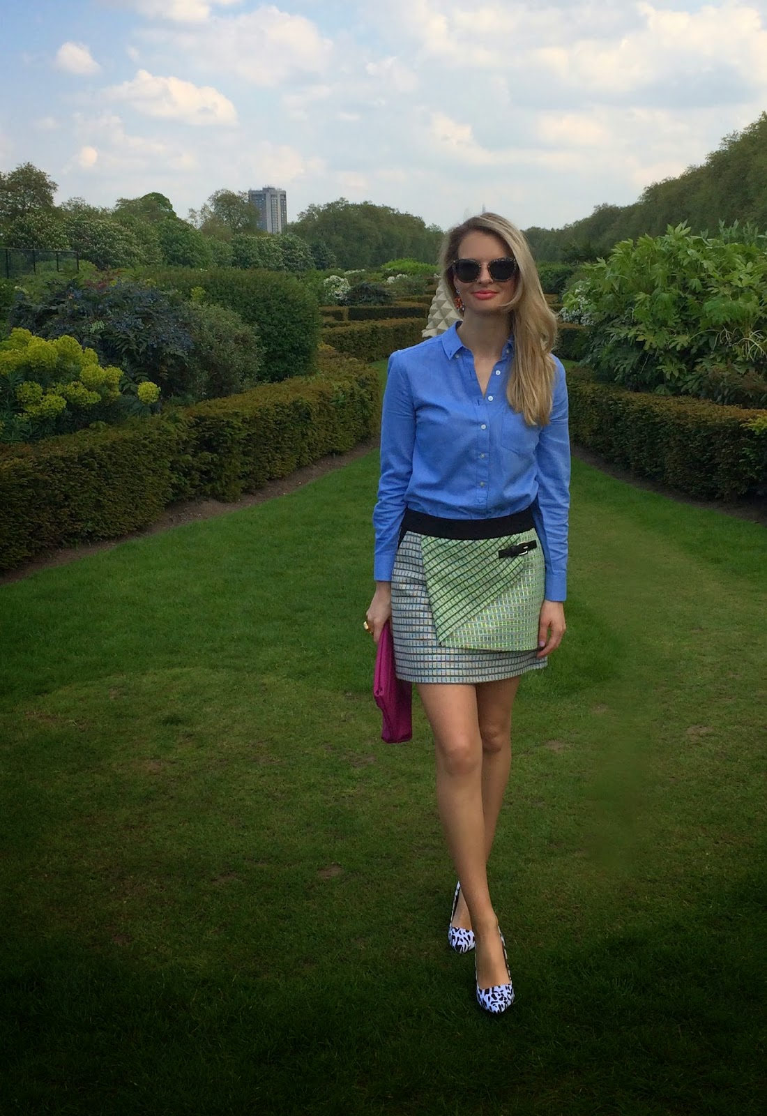 tweed skirt, karen millen, karen millen skirt, karen millen tweed wrap skirt, blue shirt, skirt and shirt, asos heels, asos shoes, pink clutch, miu miu sunglasses, miu miu eyewear, street style, london, london fashion blogger, chrissabella