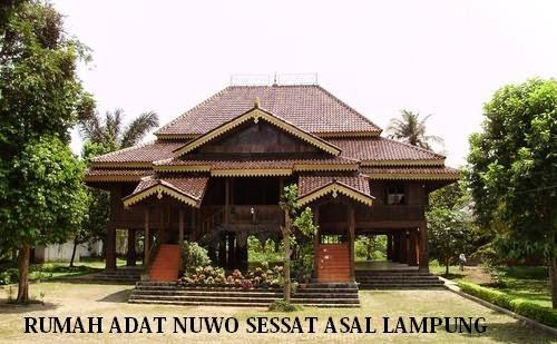 Rumah Adat Nuwo Sesat Asal Daerah Lampung Sumatera