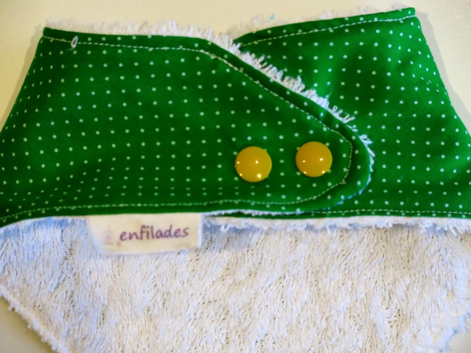 pitet bandana verd puntejat darrere- serie Escola enfilades.cat