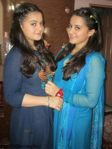 Aiman Khan And Minal Khan pictures
