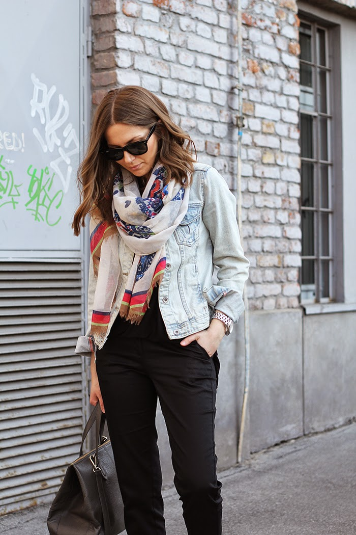 Fashion And Style Printed Scarf
