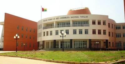 Guiné-Bissau: Parlamento suspende trabalhos até que seja formado novo Governo