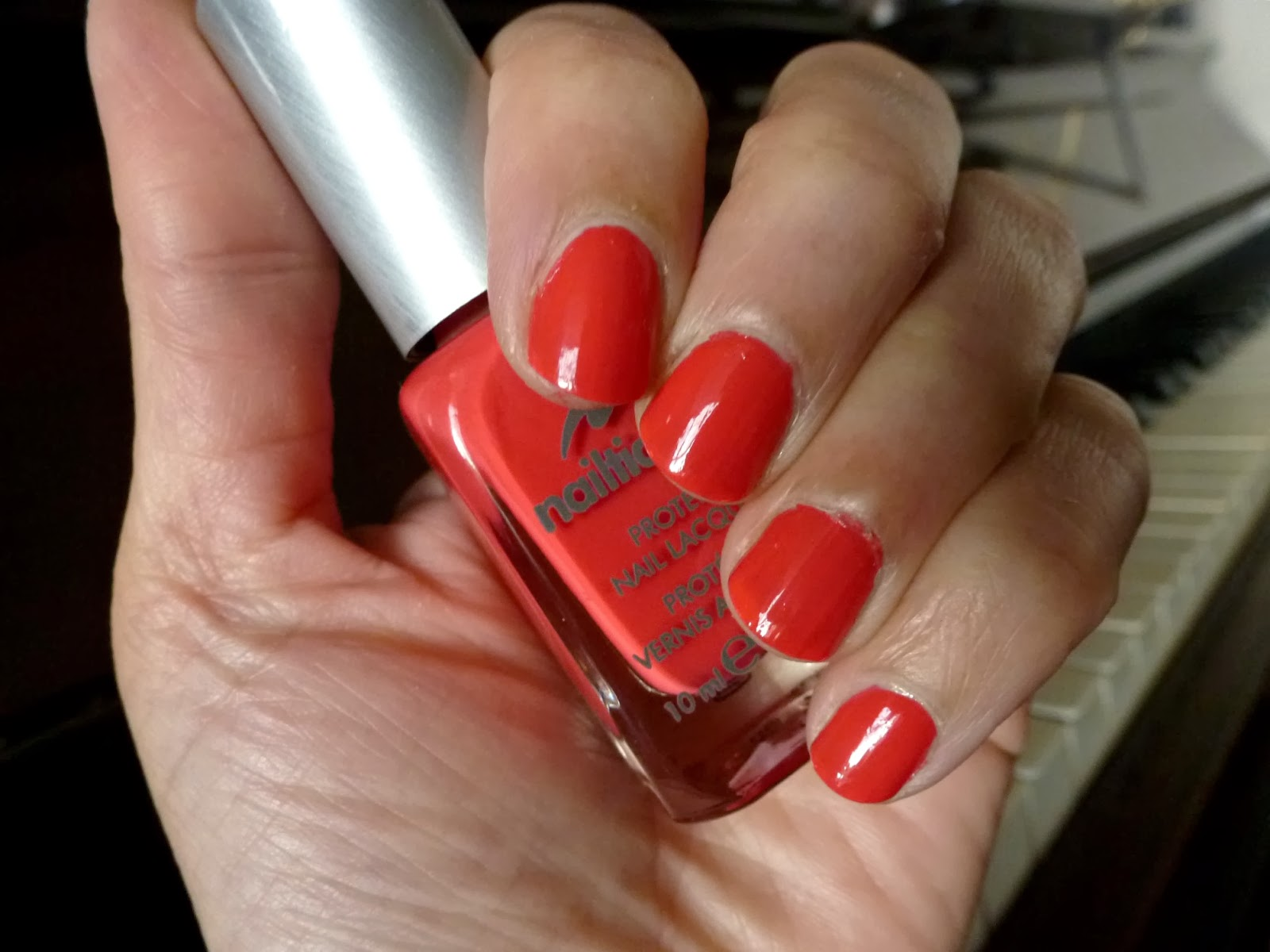 A picture of Nailtiques Nail Lacquer with Protein in Maui