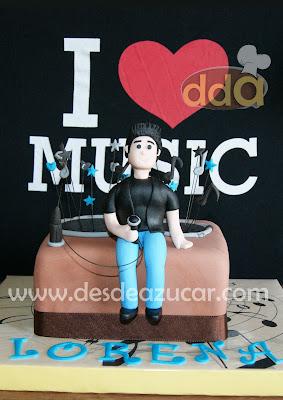 tarta David bustamante, tarta, tarta fondant, David bustamante, música, altavoz, tarta fondant Sevilla