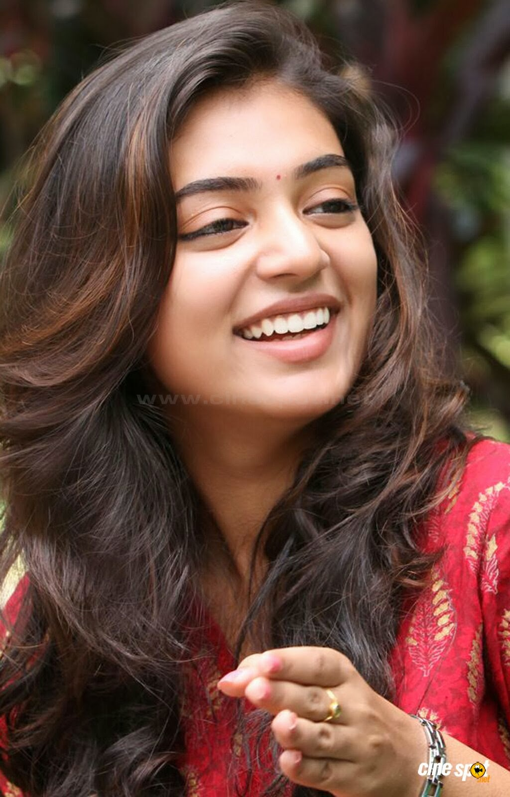 cute stills: nazriya nazim cute photo