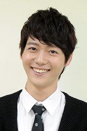 Biodata Kim Dong Suk pemeran Lee Kang Joon