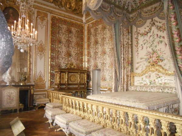 the queen s bedchamber in the queen s apartment atQueen Elizabeth 1 Artifacts