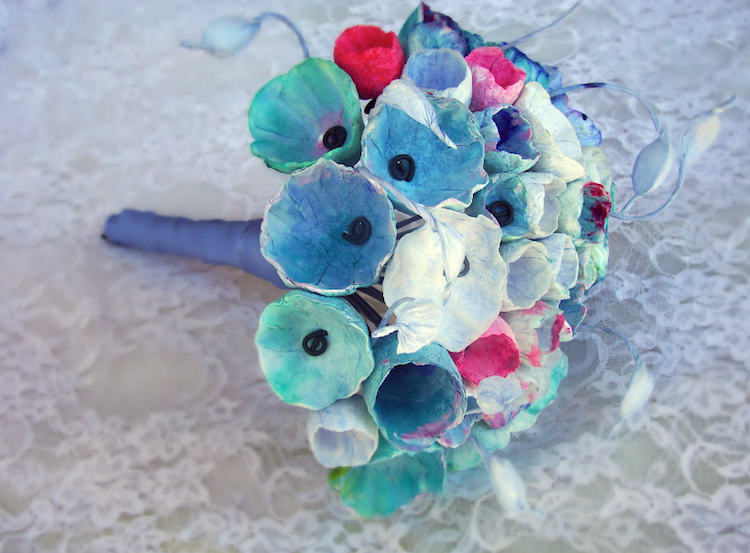 eco friendly wedding inspiration: tribute to Monet. Bouquet di fiori di carta