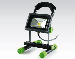 Reflektor LED ze statywem z Biedronki