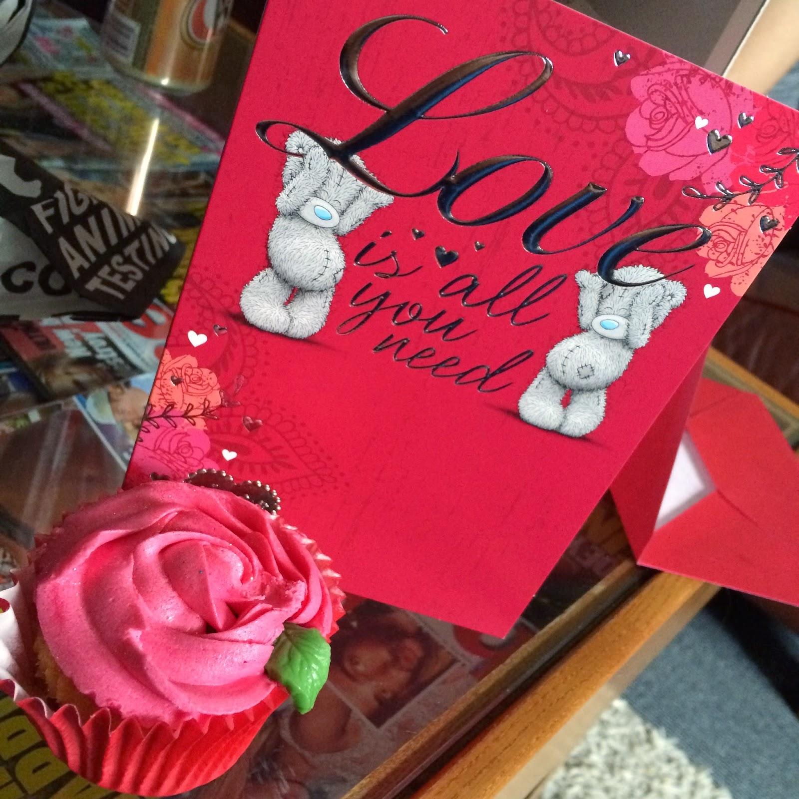 valentines-cupcake